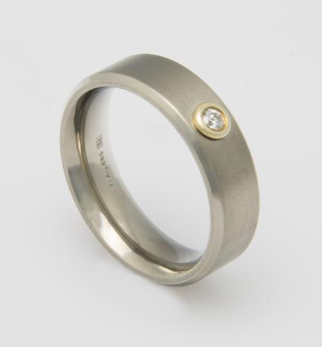 RING TI GOLD 585/- + 1 BR. 0,05 GR.55