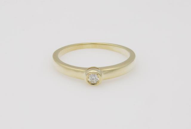 Ring 375 GG 1 Brillant ca. 0,05ct. gW-LR 52,0